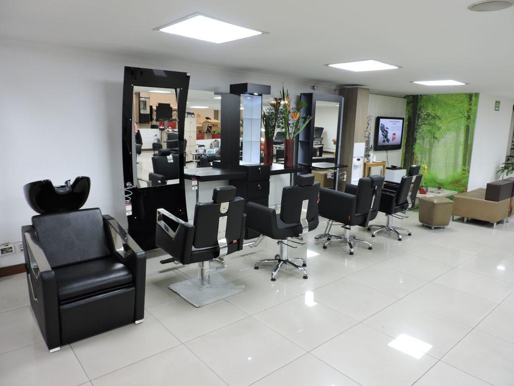 Servicio al cliente desde tus Muebles de peluquería.