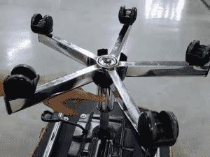 ¿Cómo cambio la base inferior de un butaco neumático Royal?